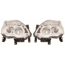 Nissan X-trail 2011-> Headlights Headlamps 1 Pair O/s & N/s